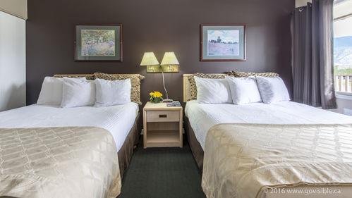 Maple Leaf Motel Inn Towne - Oliver, BC